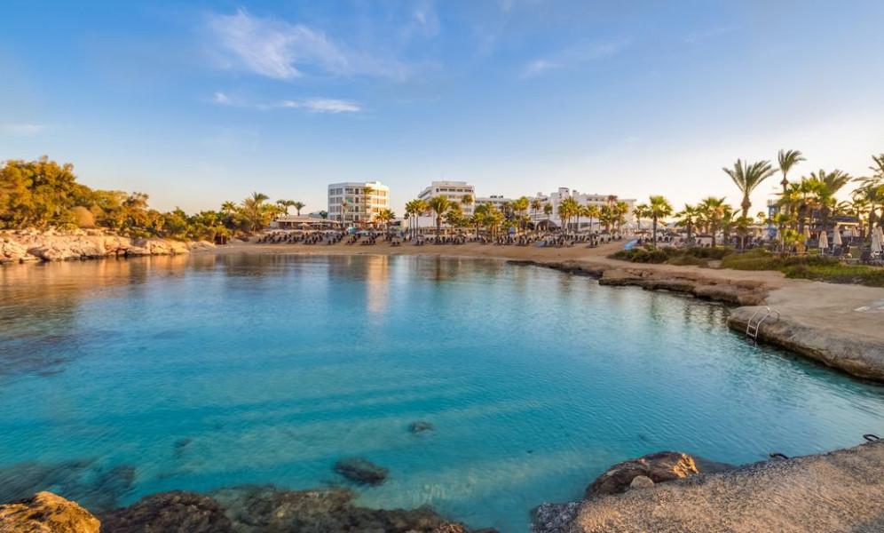 מלונות מומלצים באיה נאפה, קפריסין Adams beach