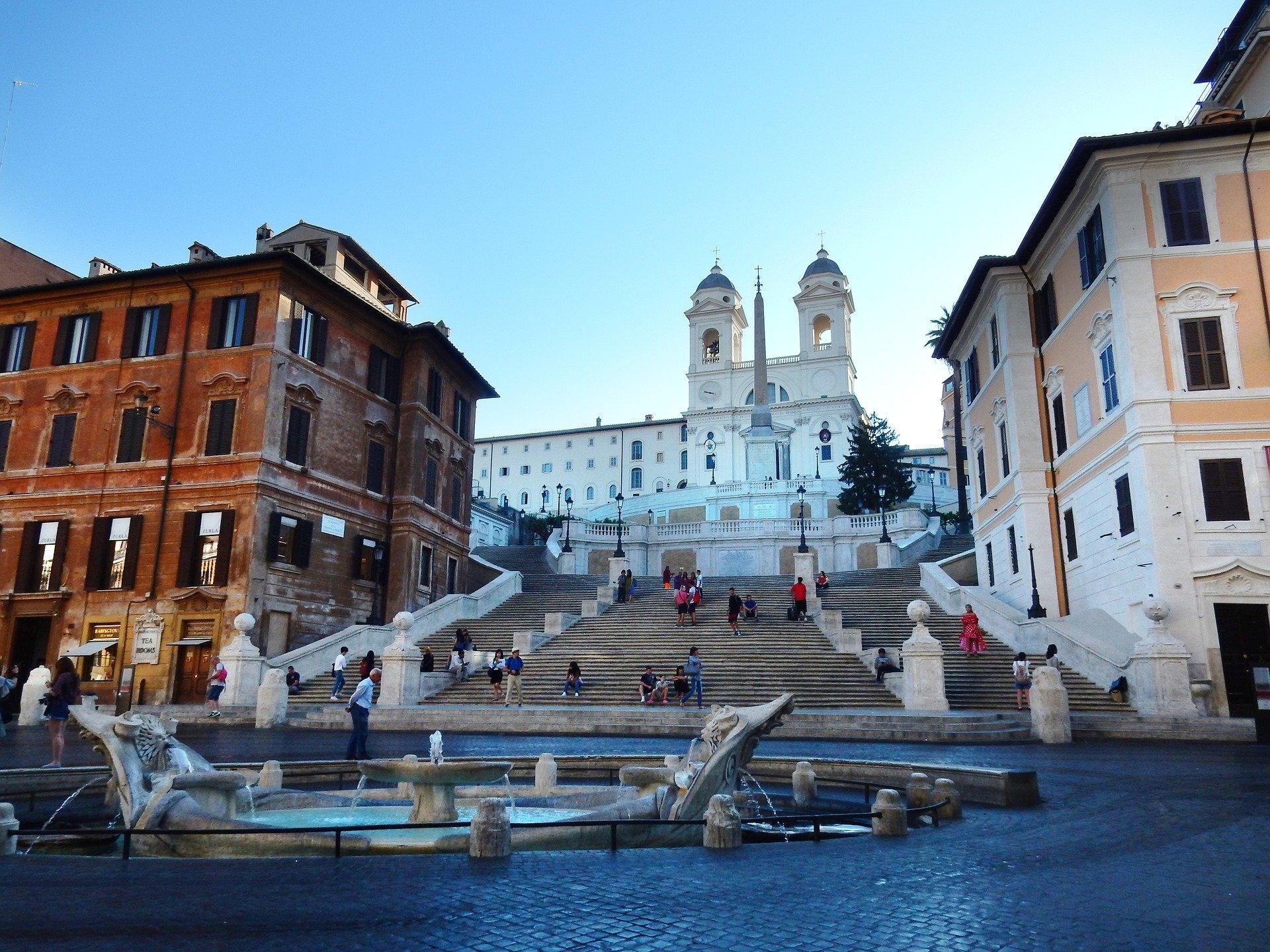 המדרגות הספרדיות - רומא בחינם