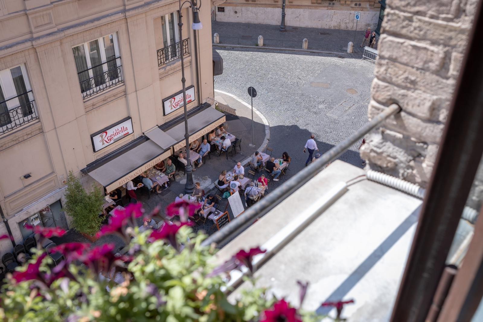 מלון נאמן ברומא - מלון כשר , מבט לגטו היהודי