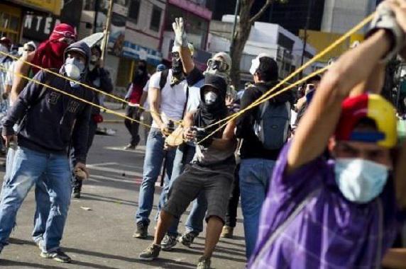 Un total de 172 muertos en unos cien días de violencia, concentrados en 51 municipios del país, son números fríos que dicen mucho menos de lo que sucedió en esos días de guarimba en 2017.
